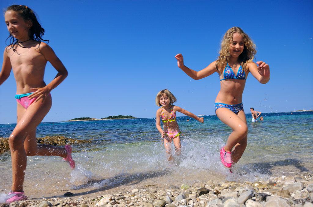 малолетку ссср ебал на пляже